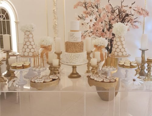 Bruids sweet table wit en goud